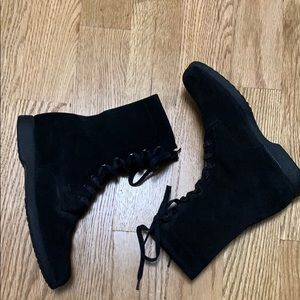TOD'S SUEDE LACE - UP BOOTS SIZE US 36